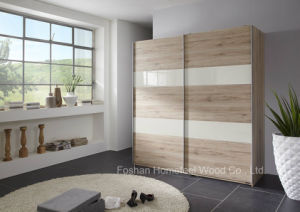 Modern Sliding Door Wardrobe with Art Glass (HF-EY089) pictures & photos