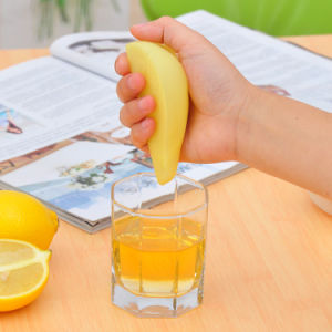 Kitchen Tools Silicone Lemon Squeezer pictures & photos