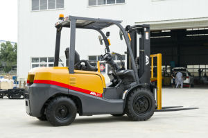 Factory Price 3.5ton Diesel Forklift with Japanese Original Engine pictures & photos