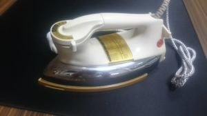 Nmt N717 Heavy Eleccric Dry Iron pictures & photos