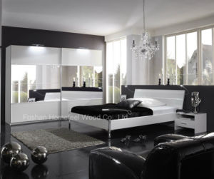 Modern Style Bedroom Furniture Set in White and Mirror (HF-SR016EY) pictures & photos