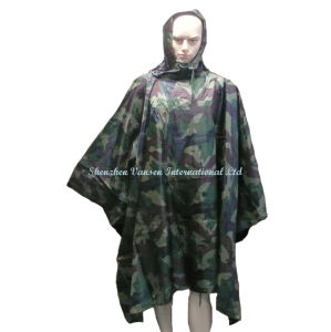 Military Woodland Camouflage Rain Poncho with Hood pictures & photos