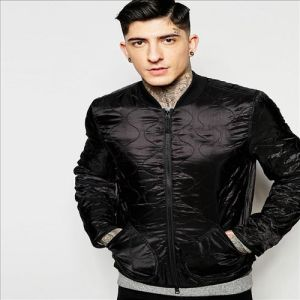 2016 Men′s Industries Bomber Jacket with Quilting in Black pictures & photos