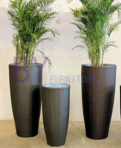 Outdoor Dining Planters Partition Rattan Vase Ornaments Landing Balcony Flowerpot pictures & photos