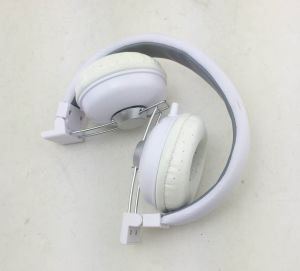 Cute Colorful Headphone for Kids Customized Color pictures & photos