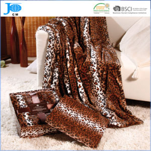 100% Polyester Printed Flannel Fleece Blanket pictures & photos