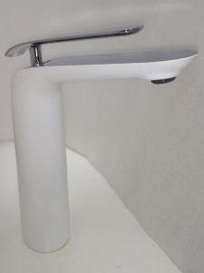 New Design Antique Brass Basin Mixer & Faucet (ZF-280) pictures & photos