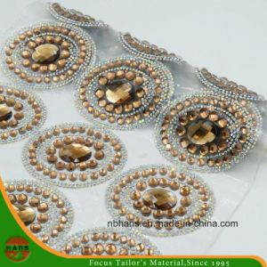 New Design Heat Transfer Adhesive Crystal Resin Rhinestone Mesh (YH-002) pictures & photos