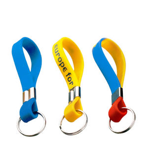 Custom Keychain Silicone Wristbands Promotion pictures & photos