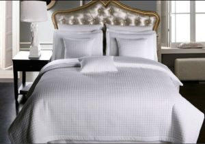 Cheap Promotional Polyester Checkered Quilt for Hotel Bed (DPF10796) pictures & photos