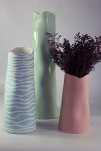 Hot Selling Creative Color Glazed Ceramic Vase pictures & photos