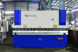 WF67Y-40T/2200 Small Hydraulic Press Brake pictures & photos
