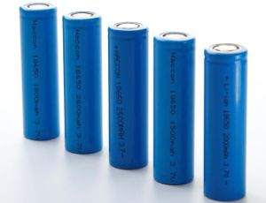3.7V 2000mAh Li-ion 18650 Battery pictures & photos