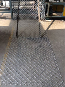 Electro Galvanized Chain Link Fence in Best Price pictures & photos