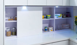 Small Kitchen Unit Economic Lacquer Surface Modern Kitchen Cabinet (zz-018) pictures & photos