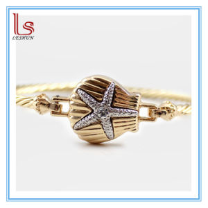 Fashion Alloy Shell Star and Cystals Accessories pictures & photos
