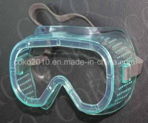 PC Lens and PVC Frame Goggles with Valves pictures & photos