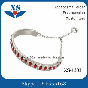 High Quality Female Stainless Steel Charm Bracelet pictures & photos