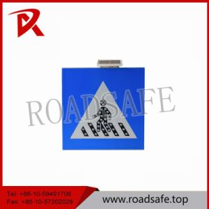 Road Safety Aluminum Flashing Sign Solar Warning Traffic Signs and Symbols pictures & photos