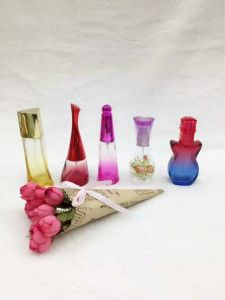 Small Perfumes and Fragrance Glass Spray Bottle, 100ml Perfume Spray Bottle pictures & photos