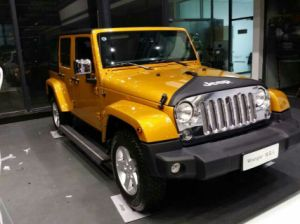 Electric Running Board/Side Step for Jeep Wrangler Auto Spare Parts pictures & photos