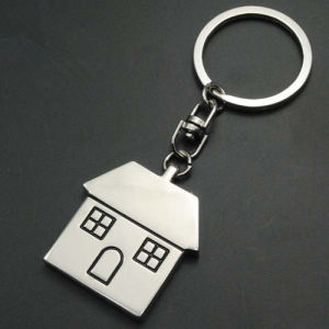 Personalized Branding Metal House Shaped Keyring with Custom Logo (F1296) pictures & photos