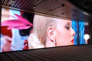 P4 Indoor Display Billboard LED Video Wall pictures & photos