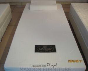 Memory / Foam Mattress (M002) pictures & photos