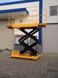 Aerial Work Platform Hydraulic Scissor Lift (Max Height 14m) pictures & photos