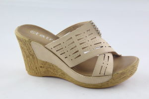 Wedge Design Women′s Slippers with Cross Strap Upper pictures & photos