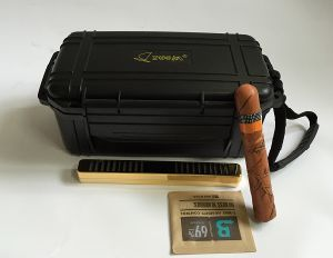 with Humidifier Waterproof Plastic Cigar Container Watertight Plastic Case pictures & photos
