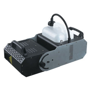 Capacity 6L DMX512 Mode 2000W Moving Head Fog Machine pictures & photos