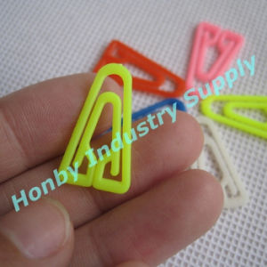 Different Sizes and Colors Triangle Shape Plastic Paper Clip pictures & photos
