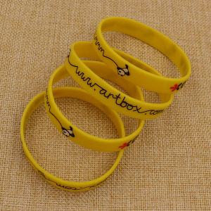 Wholesale Bulk Cheap Custom Printing Silicone Bracelet pictures & photos
