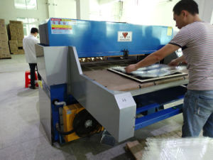 Hg-B100t Automatic Hydraulic Plastic Packaging Cutting and Stacking Machine pictures & photos