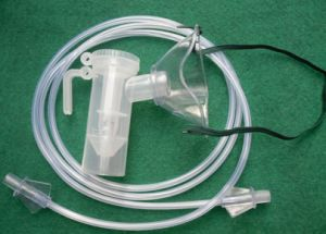 Medical Disposable Pediatric Nebulizer Mask Set with Cup and Tube pictures & photos