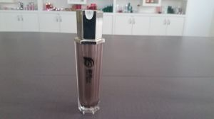 The Ageless Colors Cosmetic Packaging Plastic Bottle -Qf-038 pictures & photos