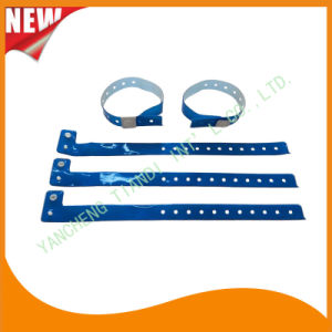 Entertainment Custom Plastic Vinyl Festival Evens ID Bracelets Wristbands (E60715) pictures & photos