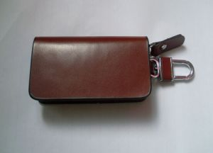 Genuine Leather Case with Clip Wallet Pouch Car Key Chain Holder pictures & photos