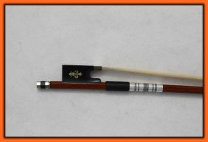 Middle Grade Octagonal Violin Bow with Silver and Black Winding pictures & photos