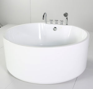 Round Freestanding Bathtub with Acrylic pictures & photos
