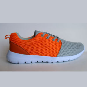 Fashion Style Black Shoes Women Sport Sneaker Triathlon Running Shoes pictures & photos