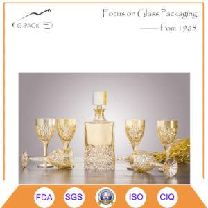 Golden Pattern Glass Wine Bottle/Liqueurs Bottle pictures & photos