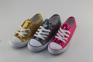 Kid/Child Fashion Casual Wholesale Bling Flat Canvas Shoes pictures & photos