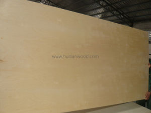 2.5mm White Hardwood Veneer Plywood with Combi Core for Furniture pictures & photos