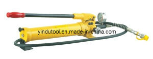 Hand Operated Hydraulic Pump with Pressure Gauge (CP-700-2) pictures & photos