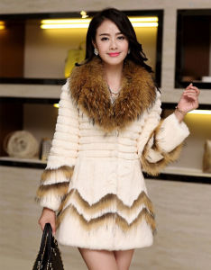 Women′s Winter Warm Rabbit Fur Coat Patchwork Style pictures & photos