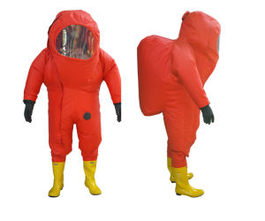 CCS Ec Certificate Light Type Chemical Protective Safety Suit pictures & photos