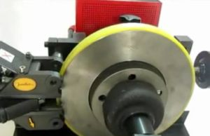 Brake Drum/Disc Cutting Lathe/High Precision Brake Disc Aligner for Braked Disc Repair (JS-8702S) pictures & photos