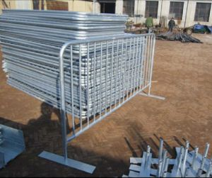 Traffic Safety Galvanized Steel Road Barrier/Pedestrian Barrier pictures & photos